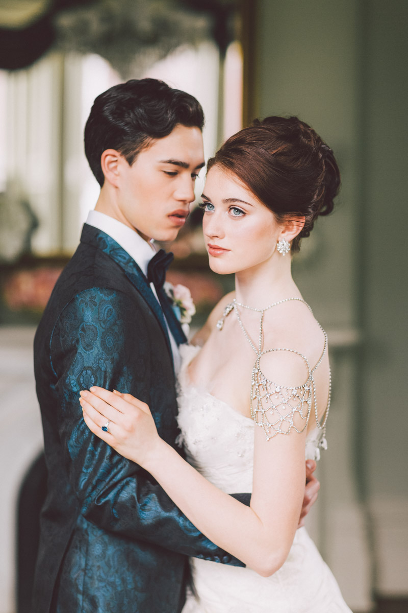 bride and groom wedluxe