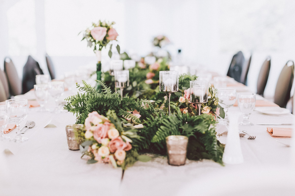 outdoor tent wedding decor