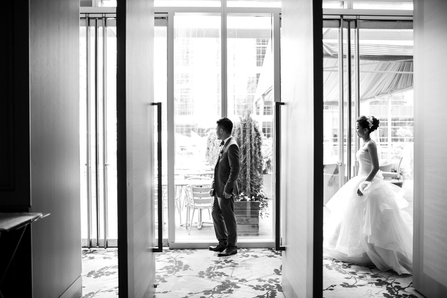 wedding first look at shangri-la