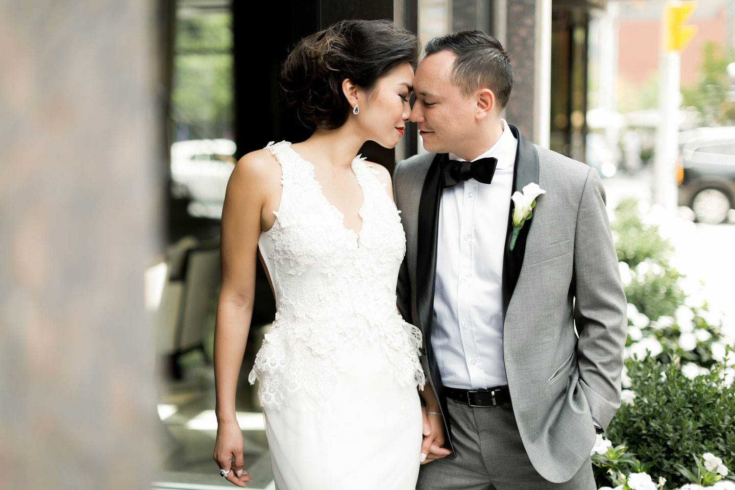 bride and groom at yorkville