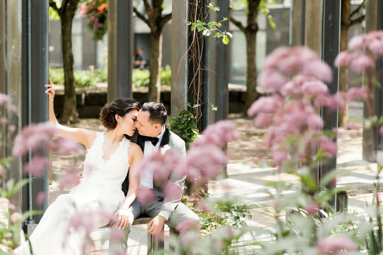 kissing in yorkville