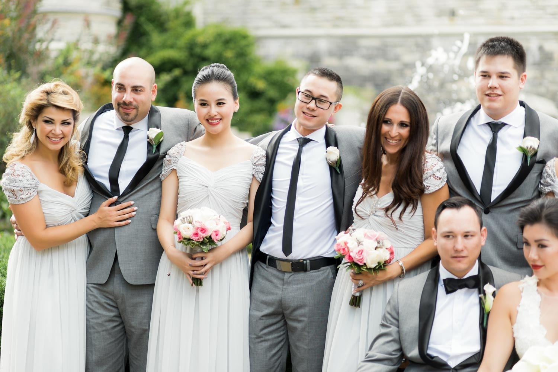 bridal party shots at casa loma gardens