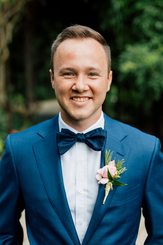 groomsmen portrait