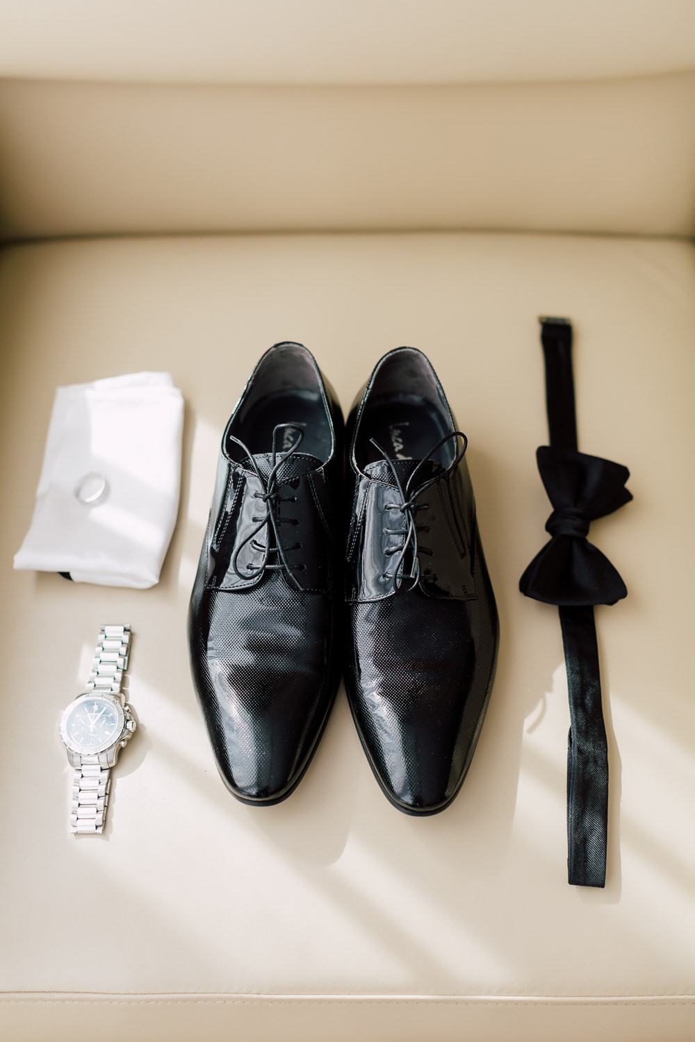 groom's formal attire