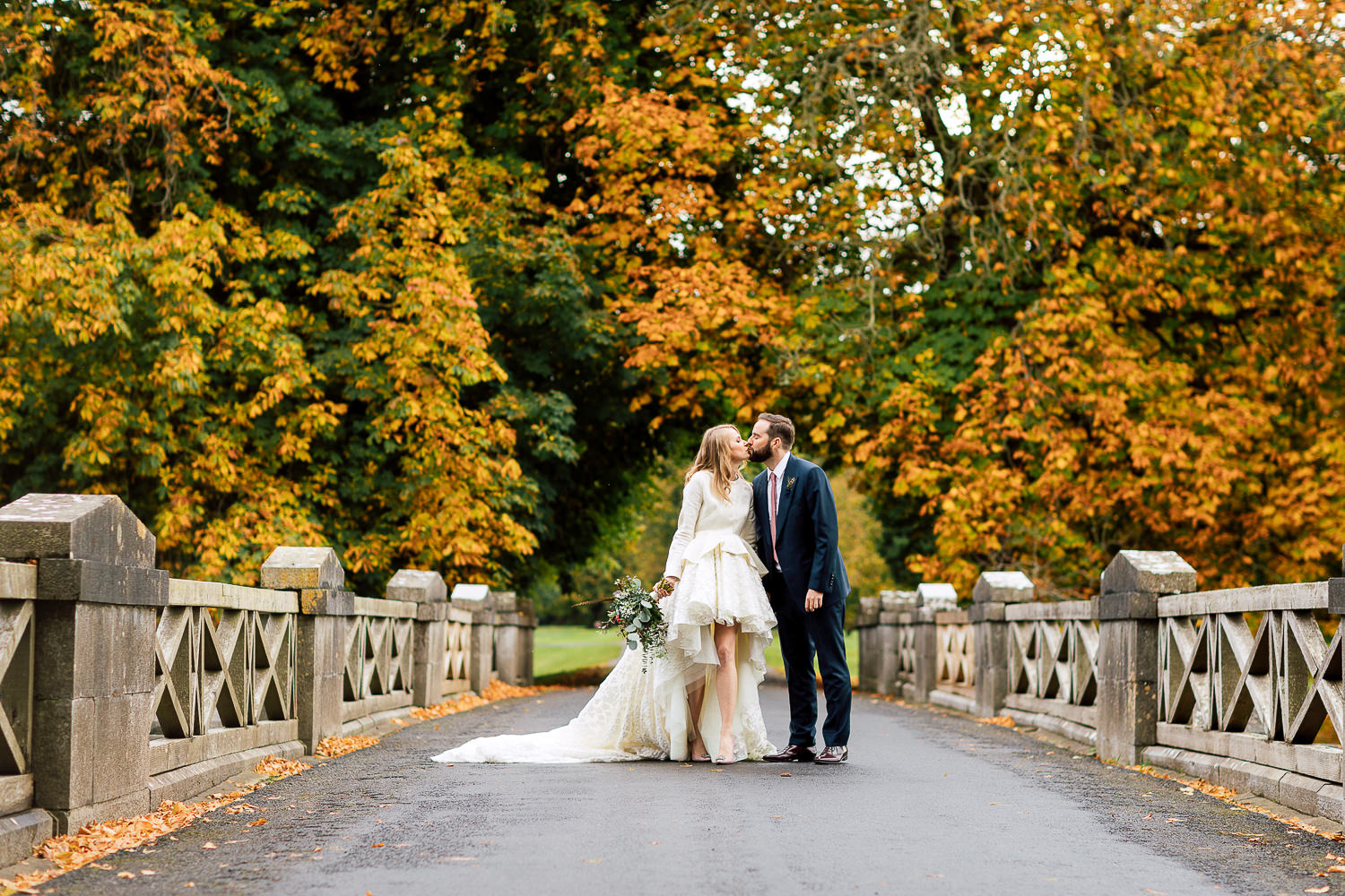 bride and groom ireland destination wedding