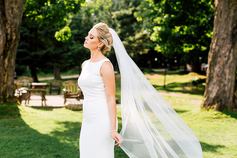bridal portrait muskoka