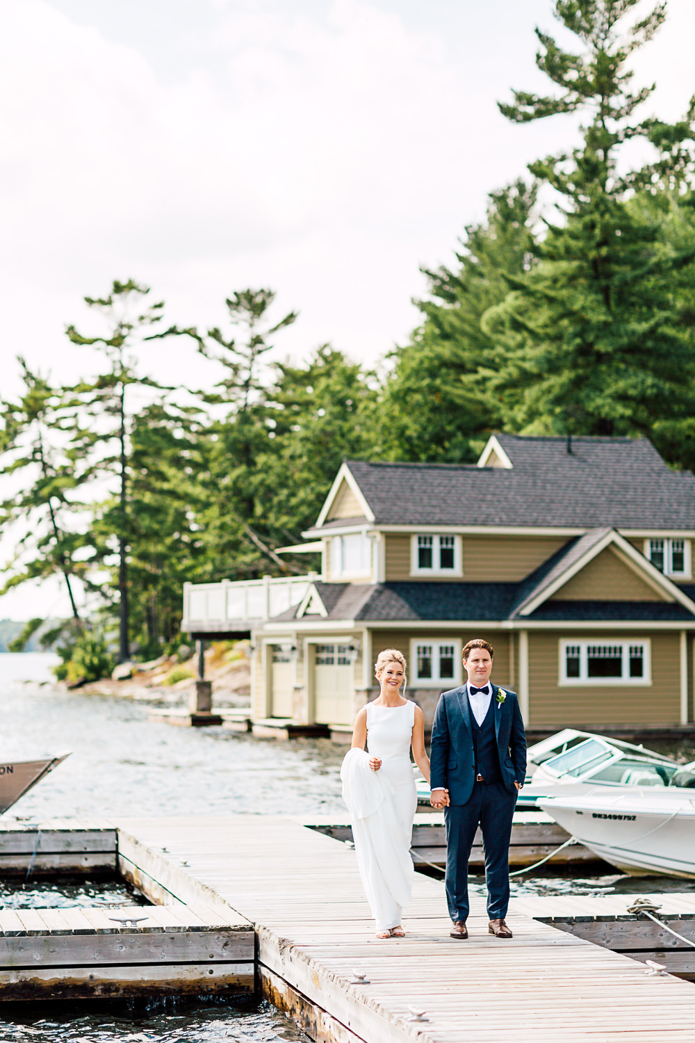 muskoka wedding bride and groom