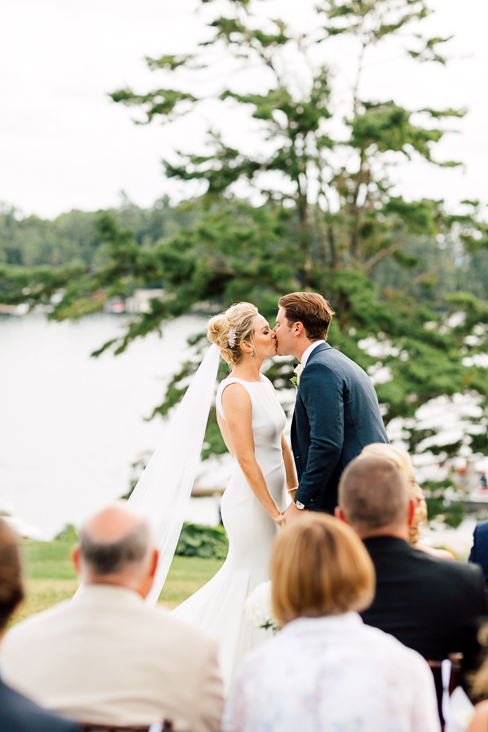 muskoka wedding first kiss