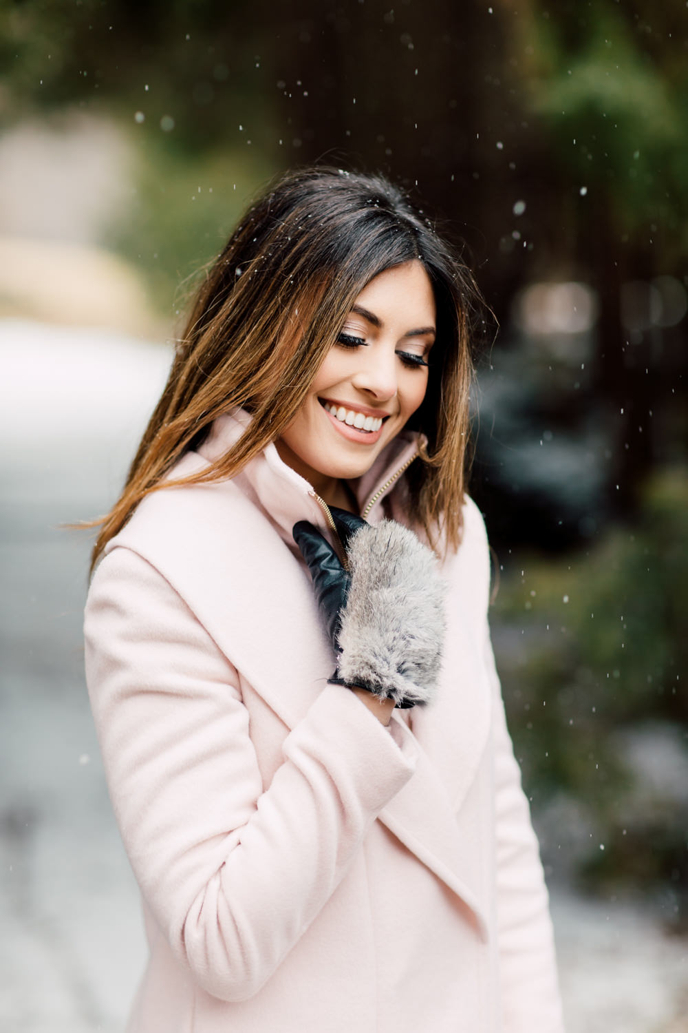 girl portrait in snow