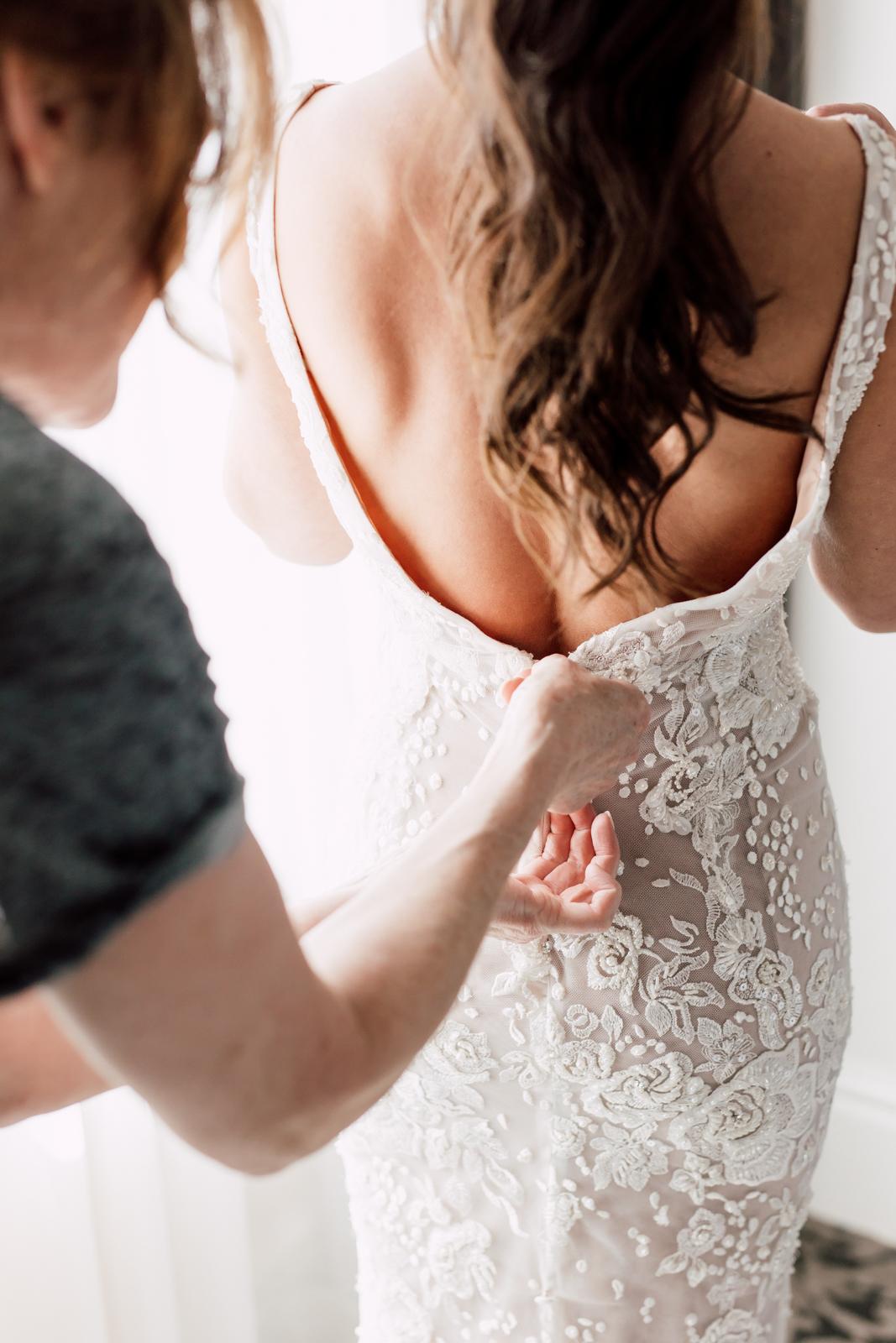 Leah de gloria bridal gown