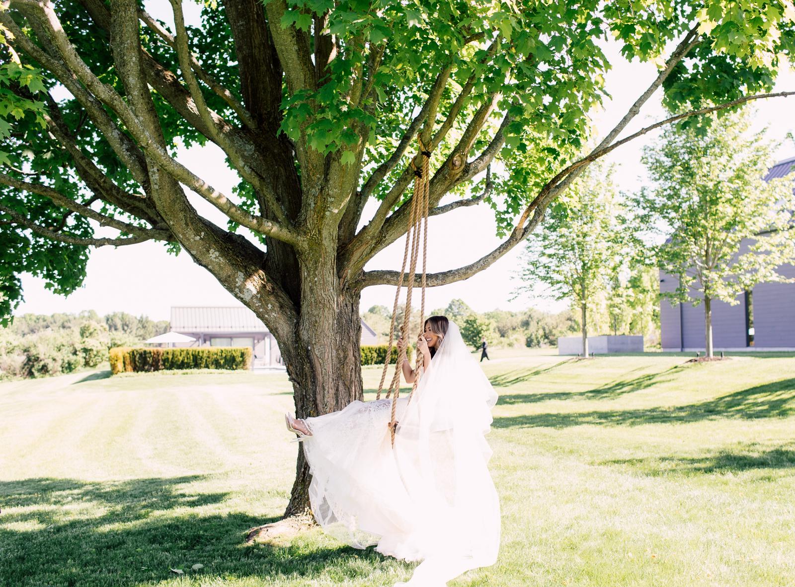 Bride swing