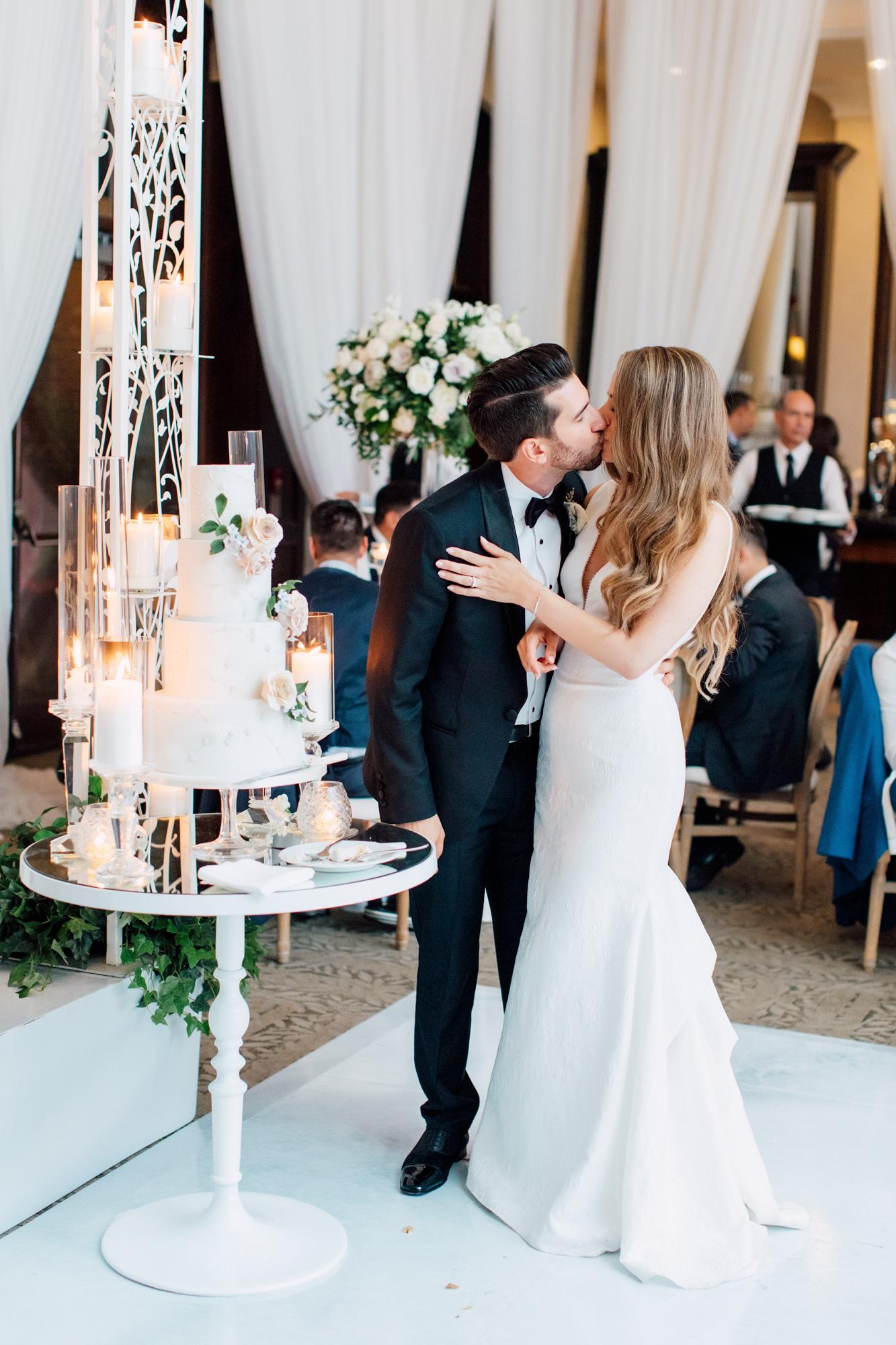 shealyn angus wedding cake cutting