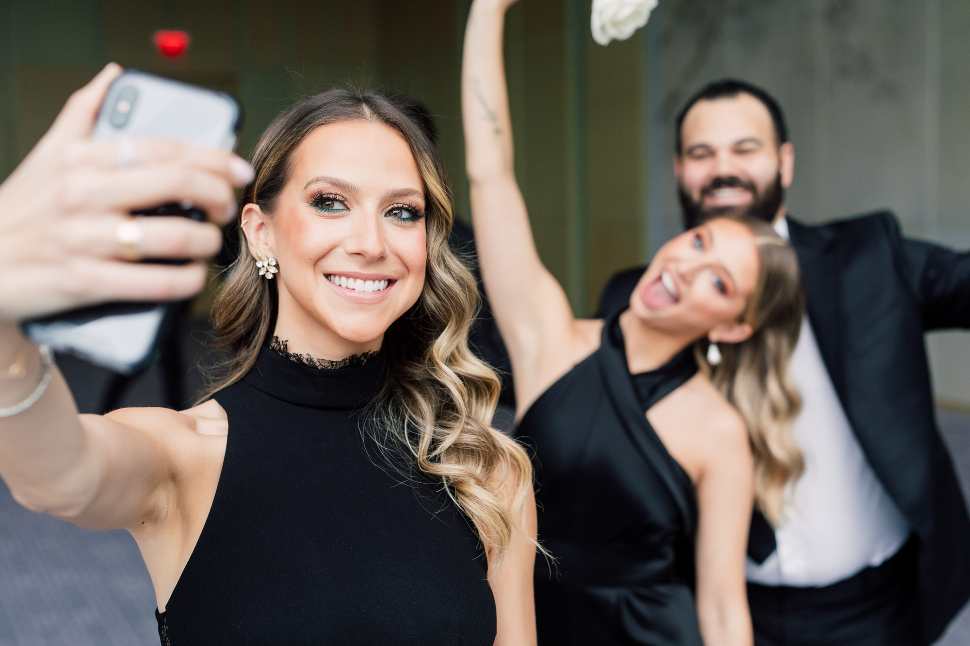 selfie bridesmaids
