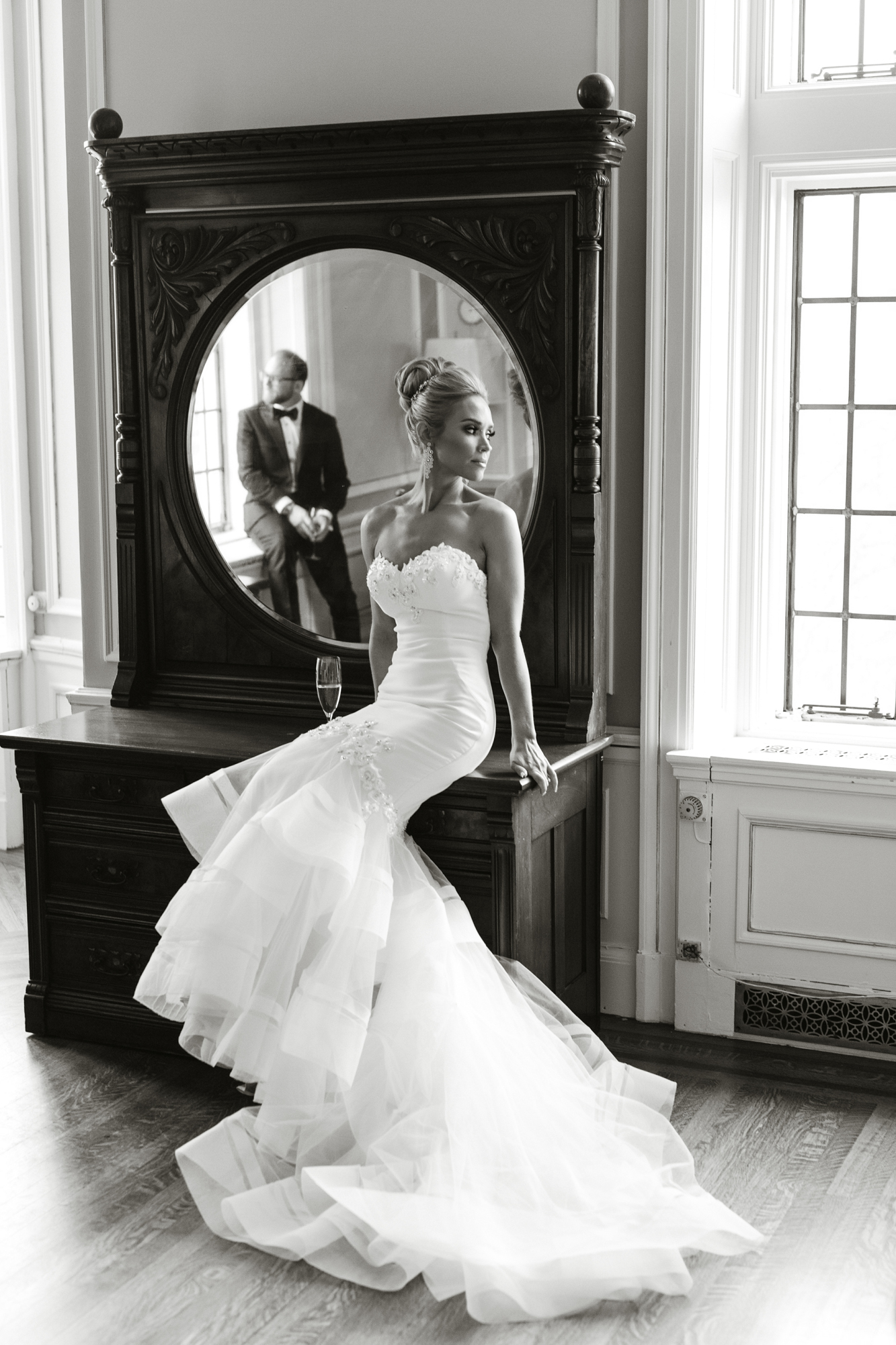 chic enzoani bride