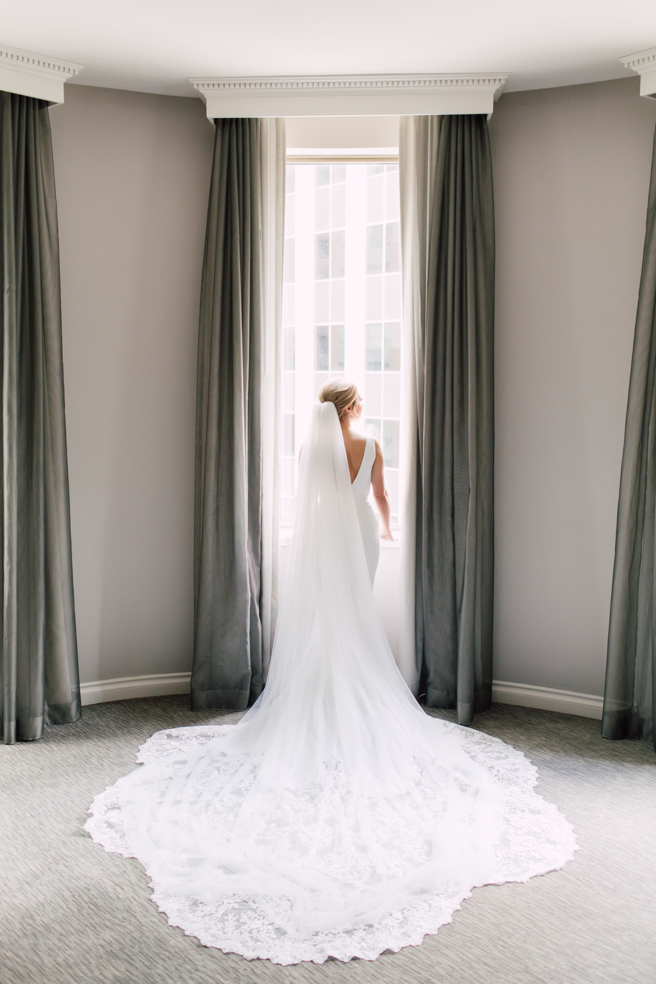 enzoani wedding dress train