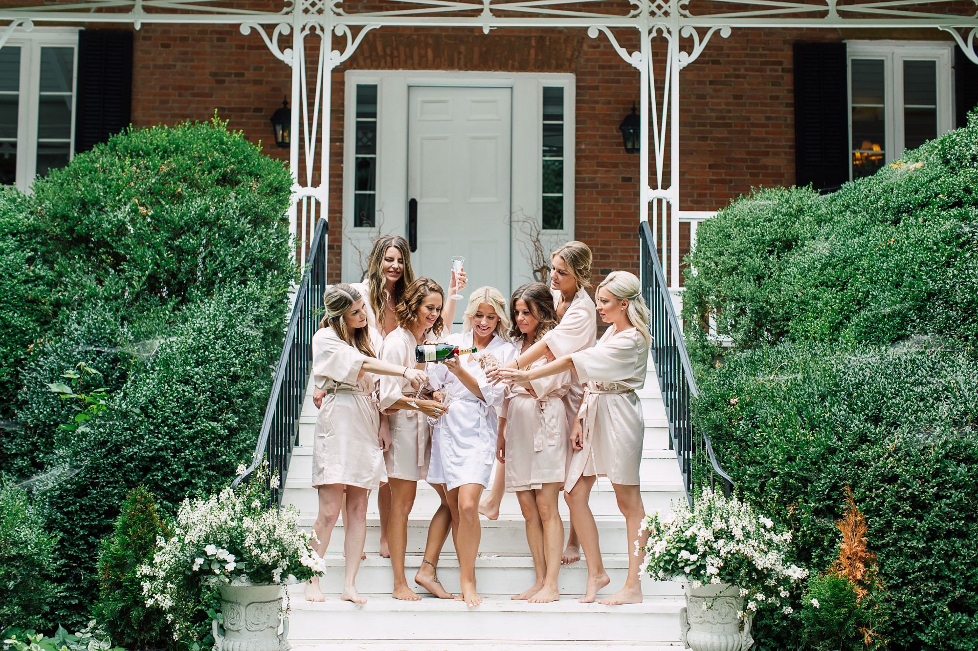 bridesmaids champagne