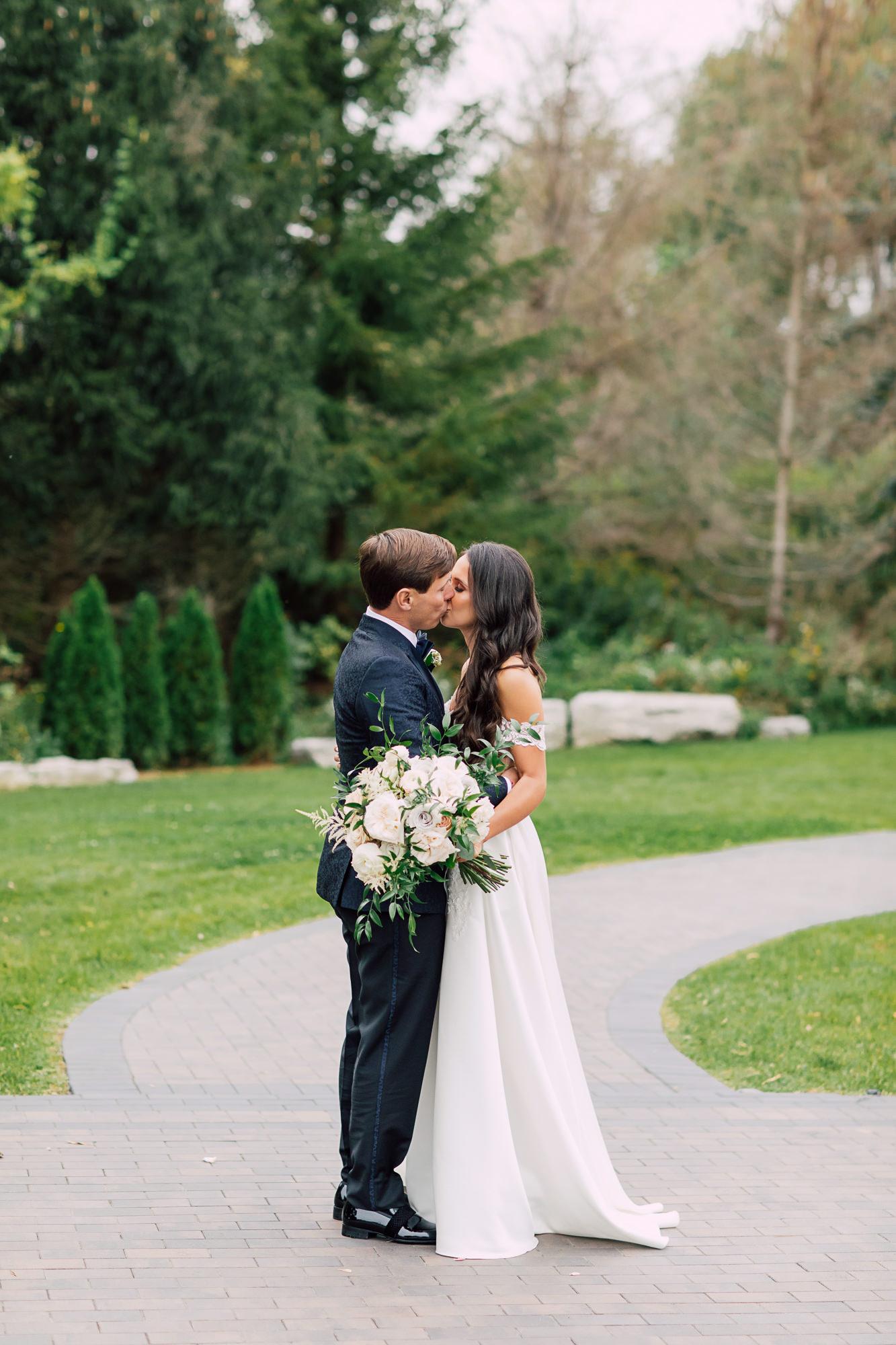 precious flowers bride