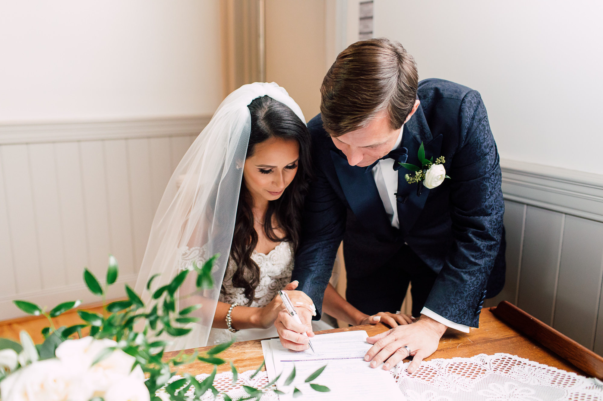 signing of registrar wedding