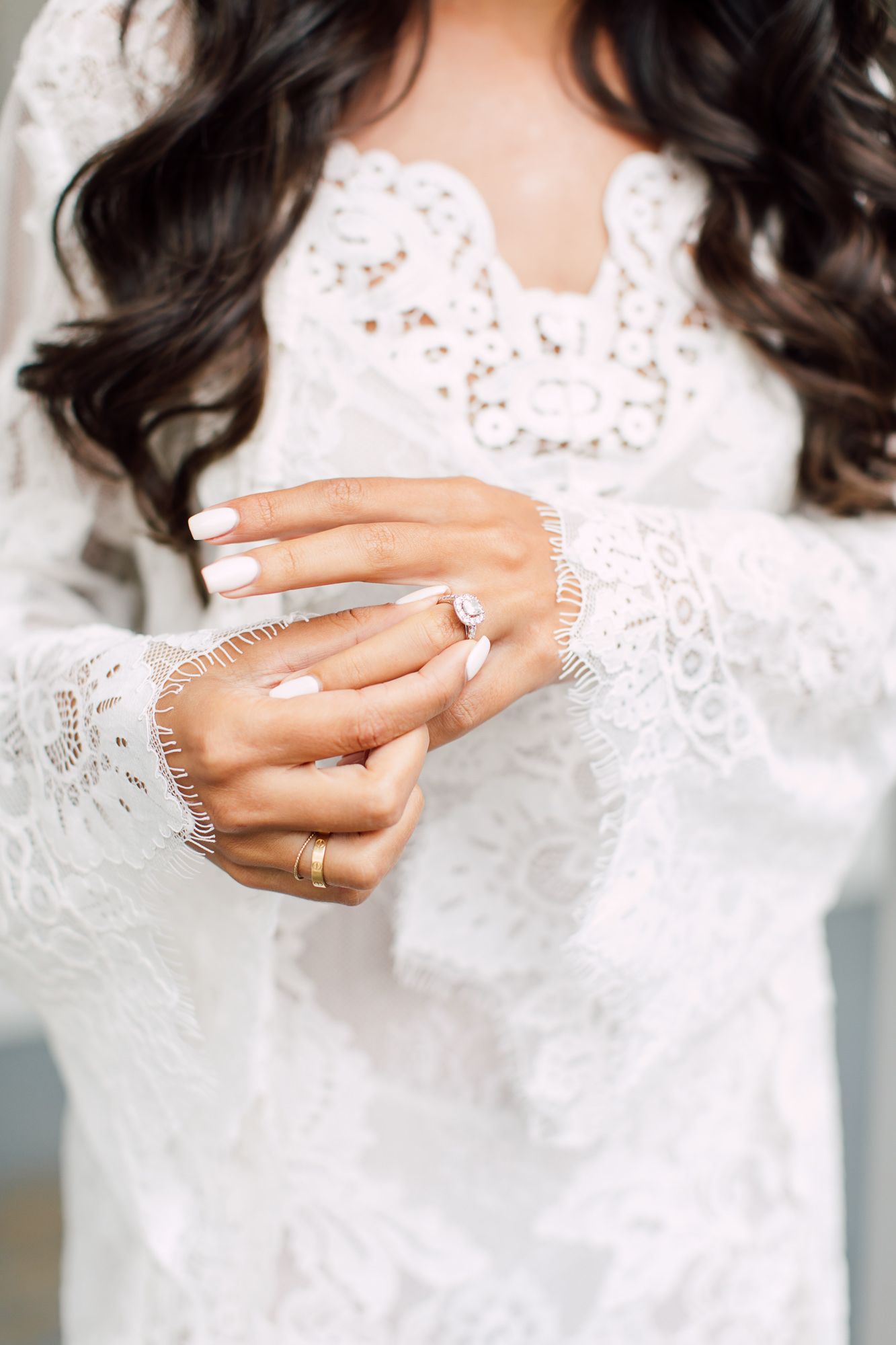 lace dressing robe bride