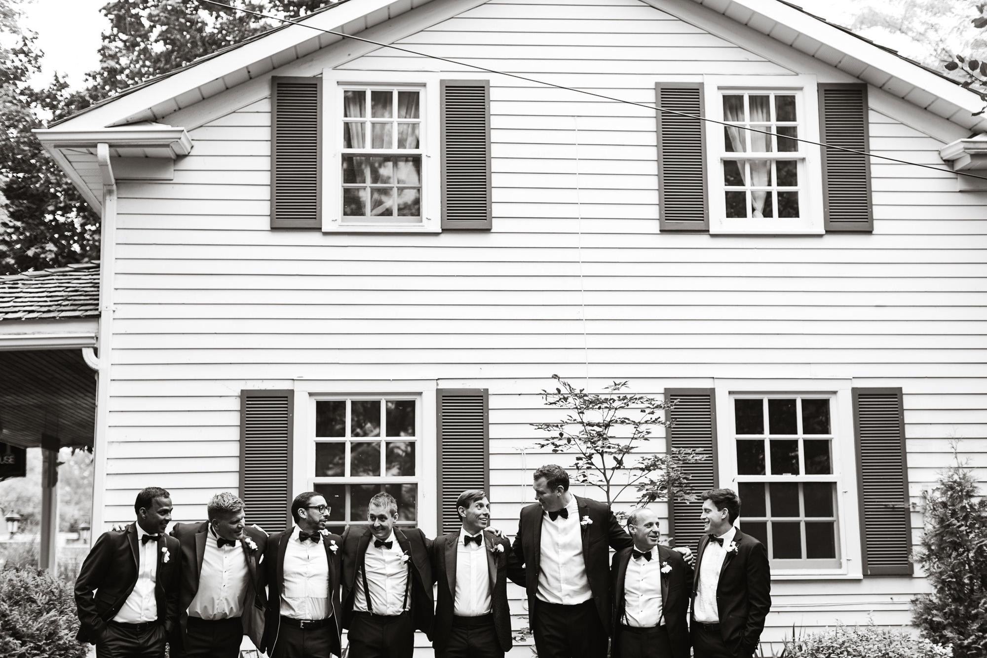 creative groomsmen